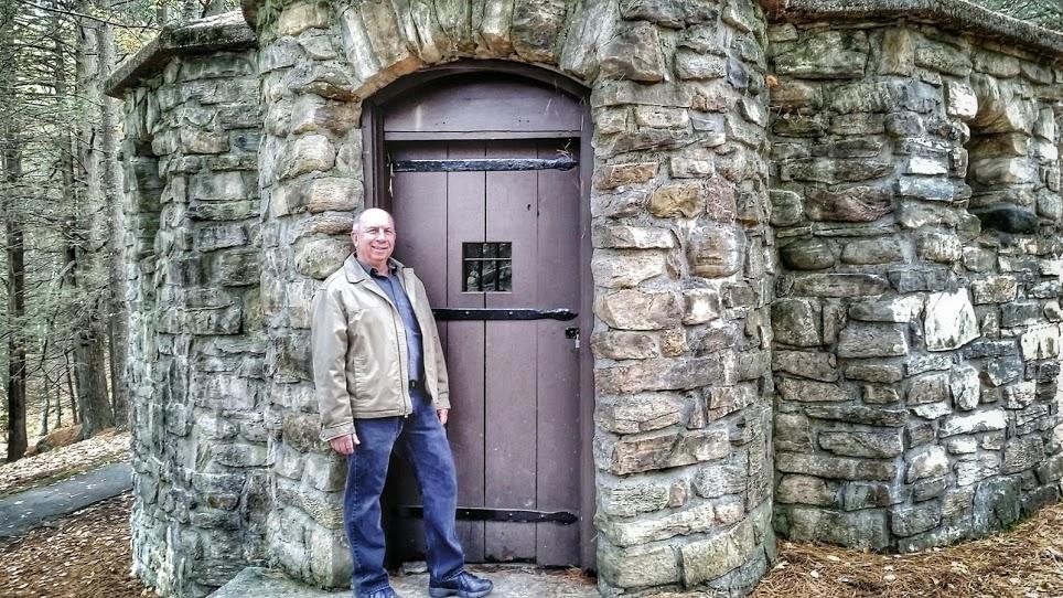 Pergatory Chasm Stone Building